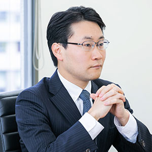 シニアアソシエイト 弁護士 髙橋 旦長